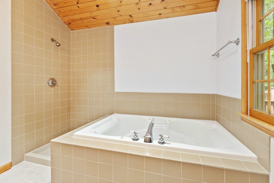 Real Estate Photography - 34925 North James Ave, Ingleside, IL, 60041 - Master Bathroom