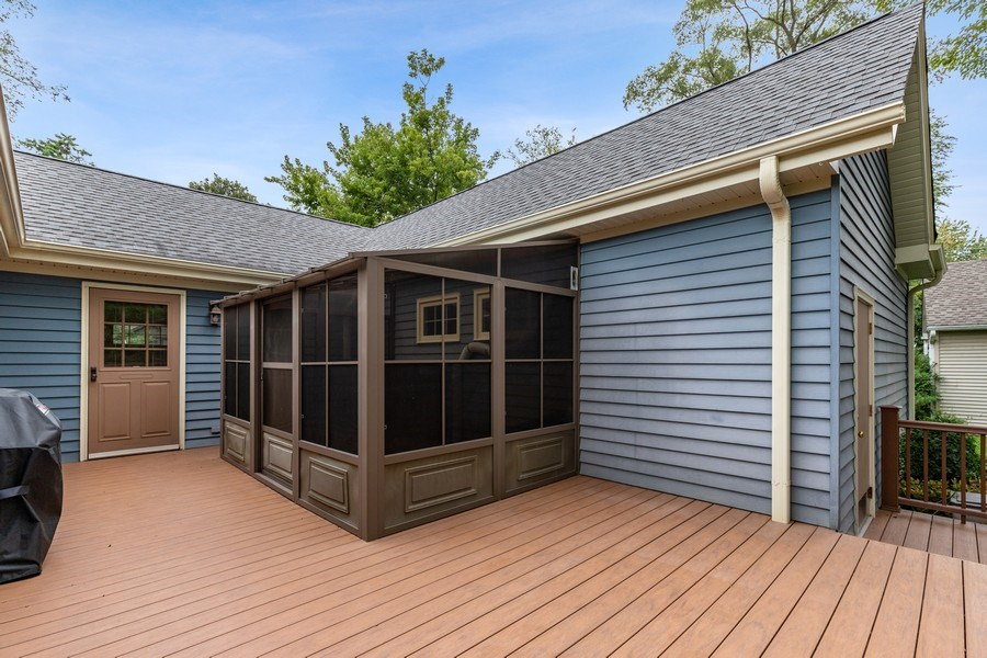 Real Estate Photography - 34925 North James Ave, Ingleside, IL, 60041 - Deck