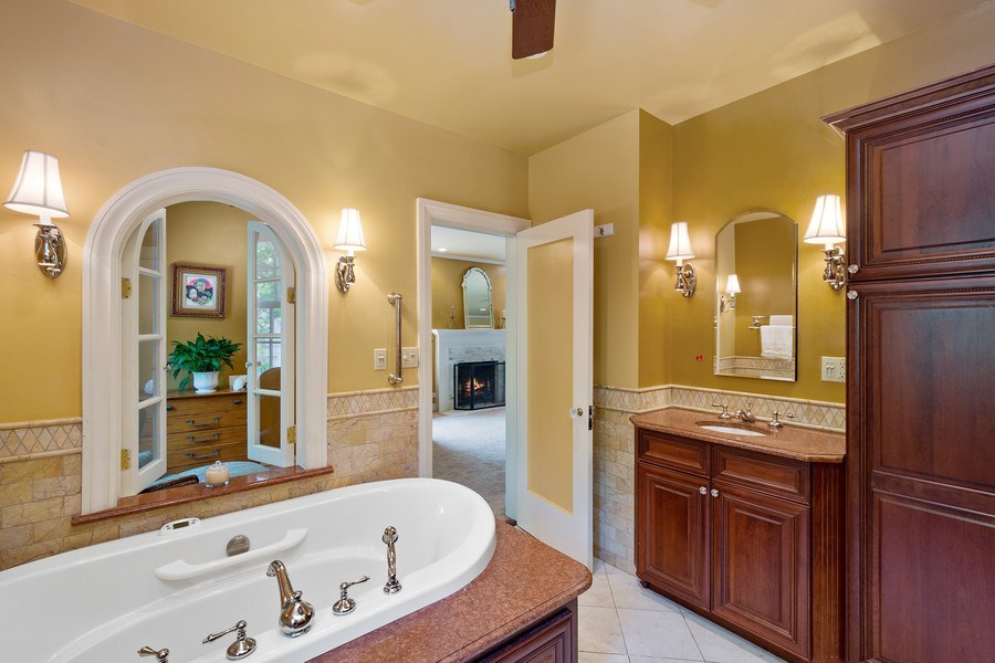 Real Estate Photography - 10615 S. Seeley Avenue, Chicago, IL, 60643 - Master Bathroom