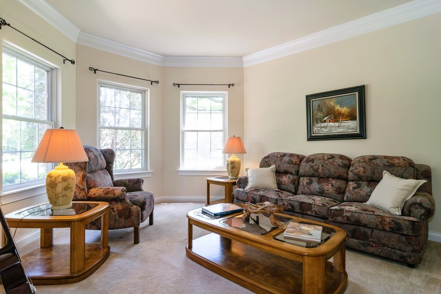 Real Estate Photography - 39W085 DEAN Lane, St. Charles, IL, 60175 - Living Room
