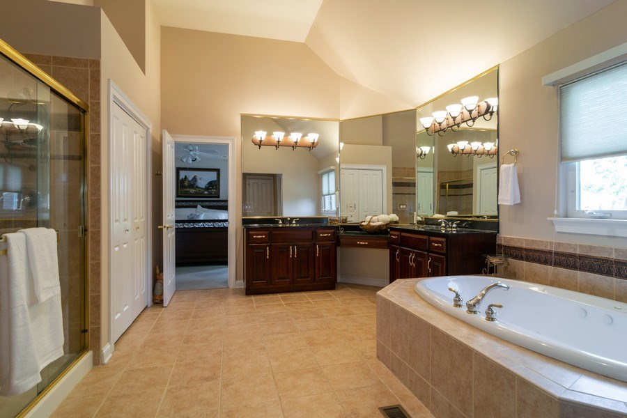 Real Estate Photography - 39W085 DEAN Lane, St. Charles, IL, 60175 - Master Bathroom