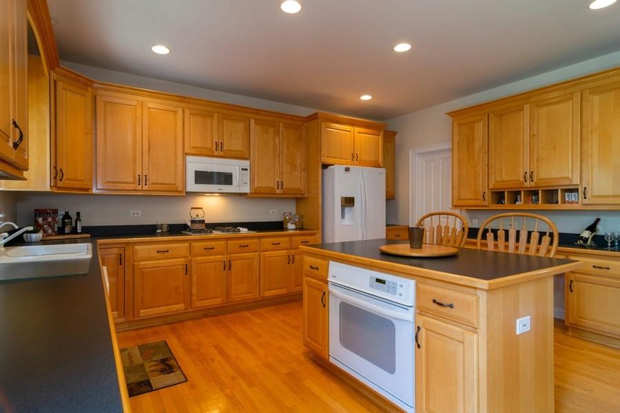 Real Estate Photography - 39W085 DEAN Lane, St. Charles, IL, 60175 - Kitchen