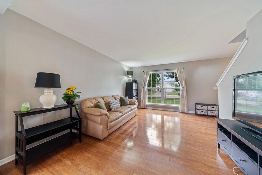 Real Estate Photography - 1457 CROWFOOT Lane, Minooka, IL, 60447 - Living Room