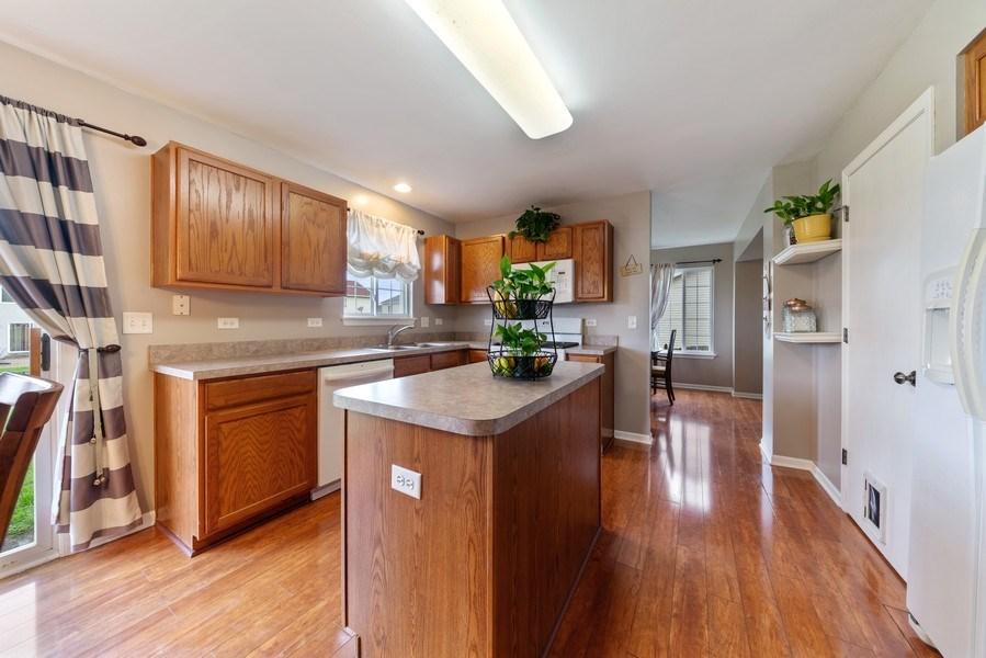Real Estate Photography - 1457 CROWFOOT Lane, Minooka, IL, 60447 - Kitchen