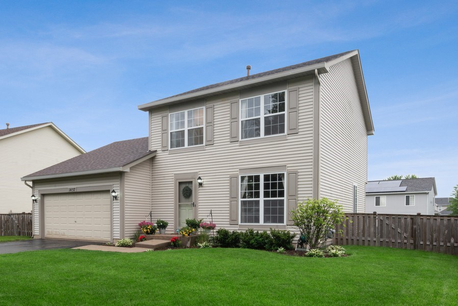 Real Estate Photography - 1457 CROWFOOT Lane, Minooka, IL, 60447 - Front View