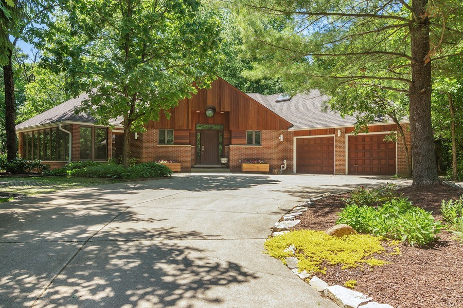 Real Estate Photography - 21116 N. Prestwick Drive, Barrington, IL, 60010 - Front View