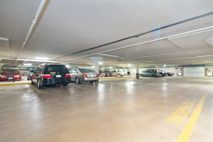 Real Estate Photography - 4225 Saratoga Ave, 105B, Downers Grove, IL, 60515 - Garage