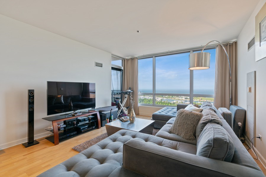 Real Estate Photography - 1841 South Calumet Ave, 2205, Chicago, IL, 60616 - Living Room