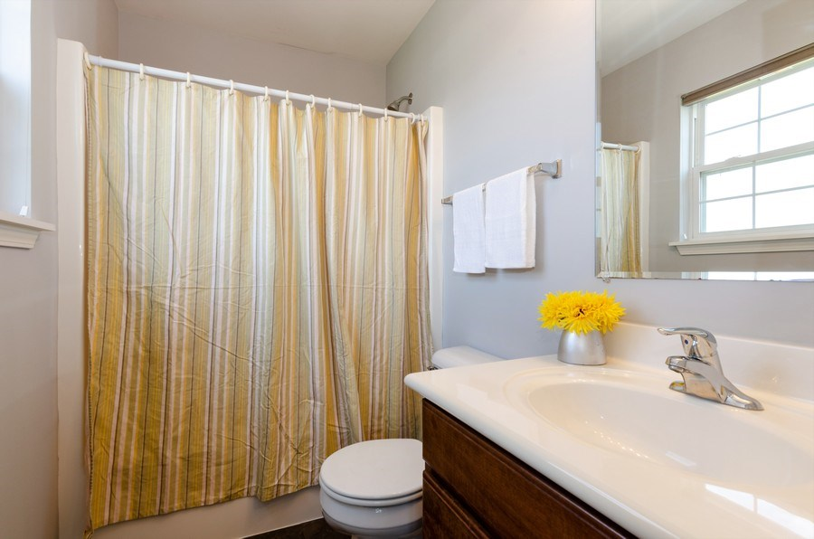 Real Estate Photography - 3136 Valley Falls Street, Elgin, IL, 60124 - 2nd Bathroom