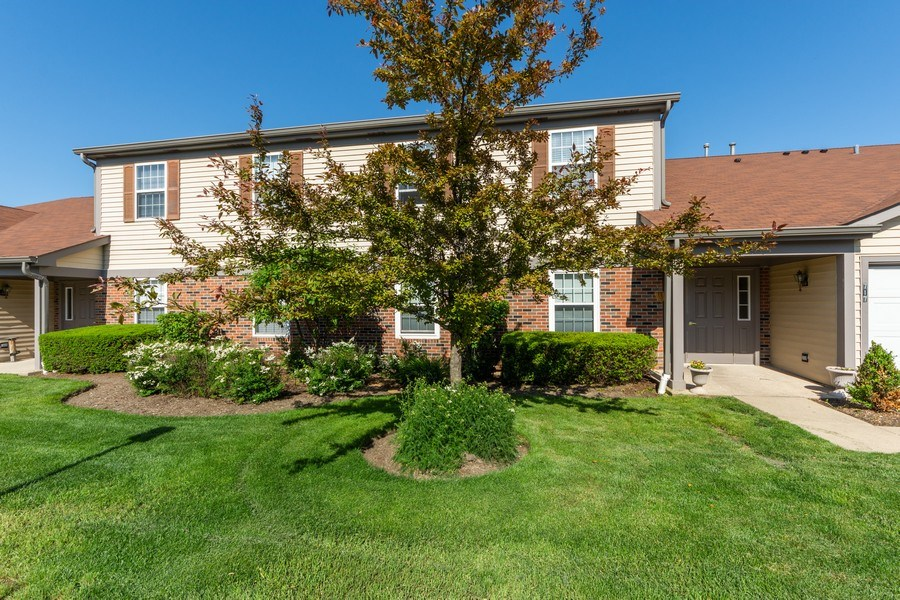 Real Estate Photography - 719 E. Whispering Oaks Drive, Unit 2RY, Palatine, IL, 60074 - Front View