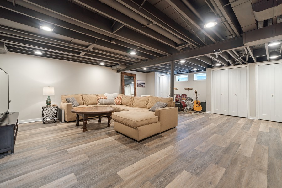 Real Estate Photography - 336 Indian Drive, Glen Ellyn, IL, 60137 - Recreational Room