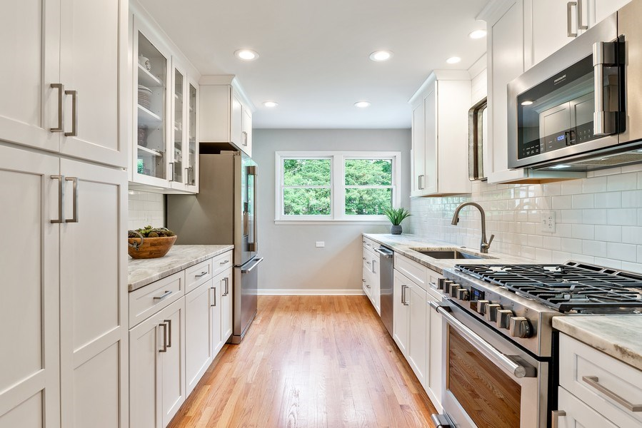 Real Estate Photography - 336 Indian Drive, Glen Ellyn, IL, 60137 - Kitchen