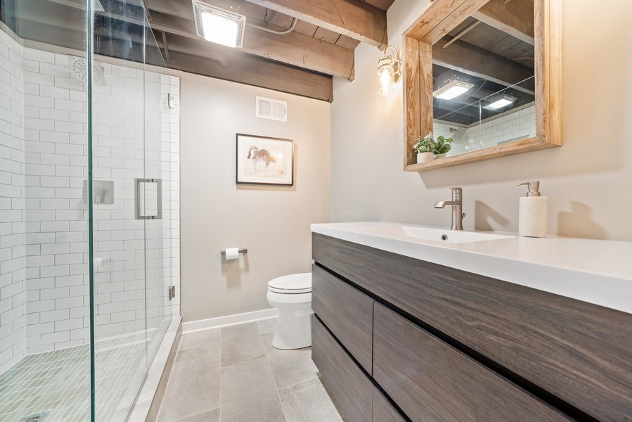 Real Estate Photography - 336 Indian Drive, Glen Ellyn, IL, 60137 - 2nd Bathroom