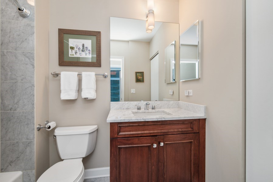 Real Estate Photography - 1211 S. Prairie Avenue, Unit 5005, Chicago, IL, 60605 - 3rd Bathroom