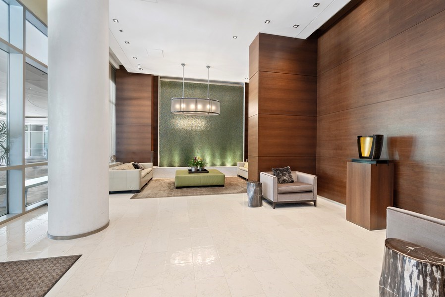 Real Estate Photography - 1211 S. Prairie Avenue, Unit 5005, Chicago, IL, 60605 - Lobby