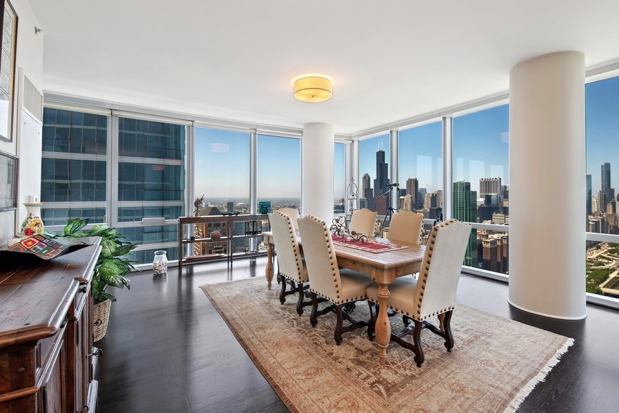 Real Estate Photography - 1211 S. Prairie Avenue, Unit 5005, Chicago, IL, 60605 - Dining Room