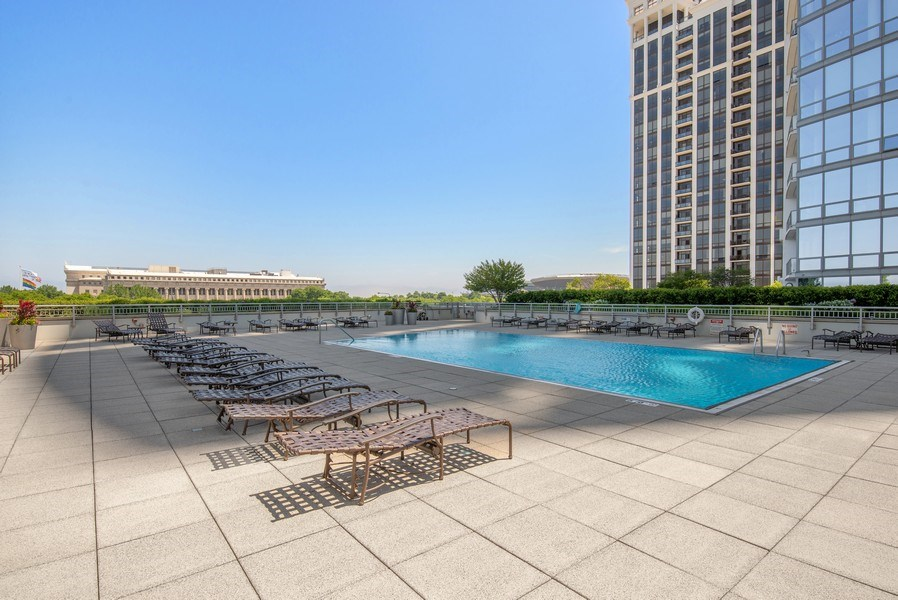 Real Estate Photography - 1211 S. Prairie Avenue, Unit 5005, Chicago, IL, 60605 - Outdoor Pool