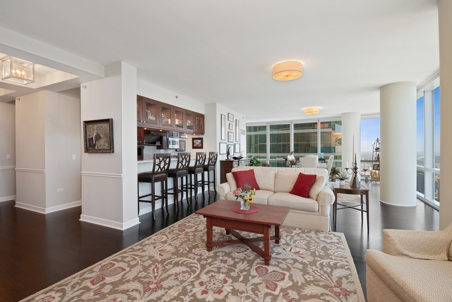 Real Estate Photography - 1211 S. Prairie Avenue, Unit 5005, Chicago, IL, 60605 - Great Room
