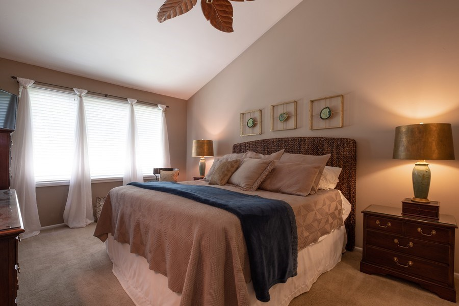 Real Estate Photography - 1379 Glengary Ln, L, Wheeling, IL, 60090 - First Floor Master Bedroom