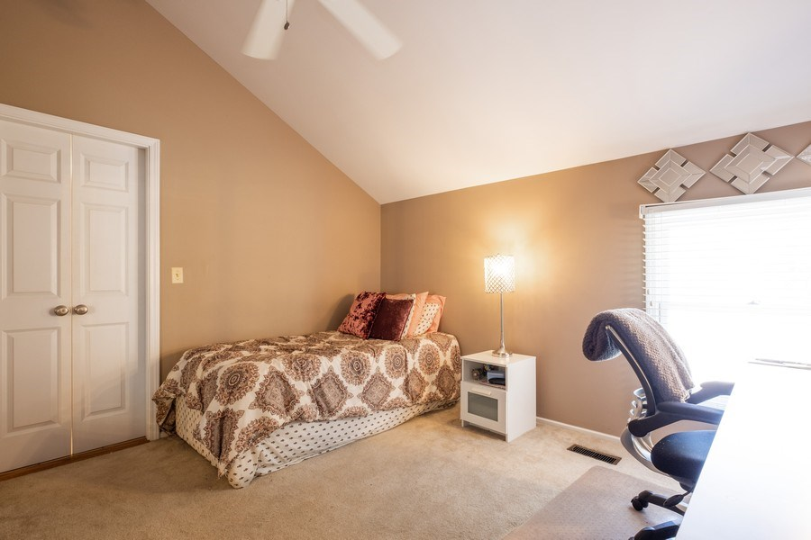Real Estate Photography - 1379 Glengary Ln, L, Wheeling, IL, 60090 - 3rd Bedroom