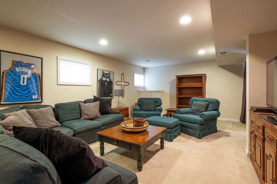 Real Estate Photography - 1379 Glengary Ln, L, Wheeling, IL, 60090 - Recreational Room
