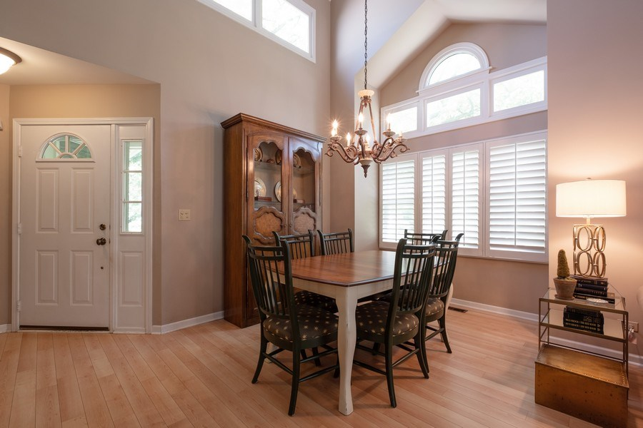 Real Estate Photography - 1379 Glengary Ln, L, Wheeling, IL, 60090 - Dining Room