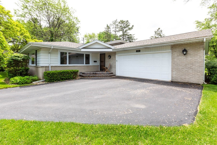 Real Estate Photography - 309 Ferndale Road, Glenview, IL, 60025 - Front View