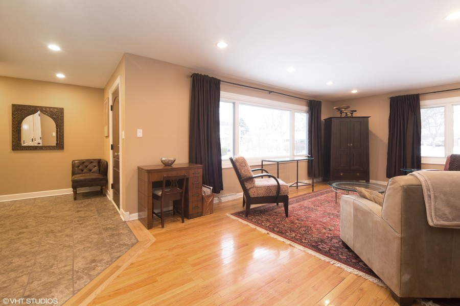 Real Estate Photography - 309 Ferndale Road, Glenview, IL, 60025 -