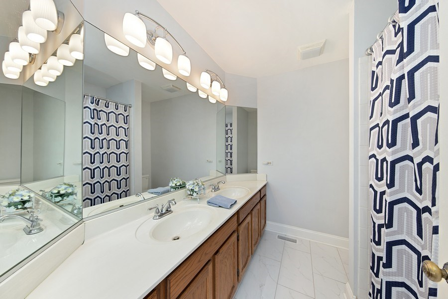Real Estate Photography - 1163 Donegal Lane, Barrington, IL, 60010 - 2nd Bathroom