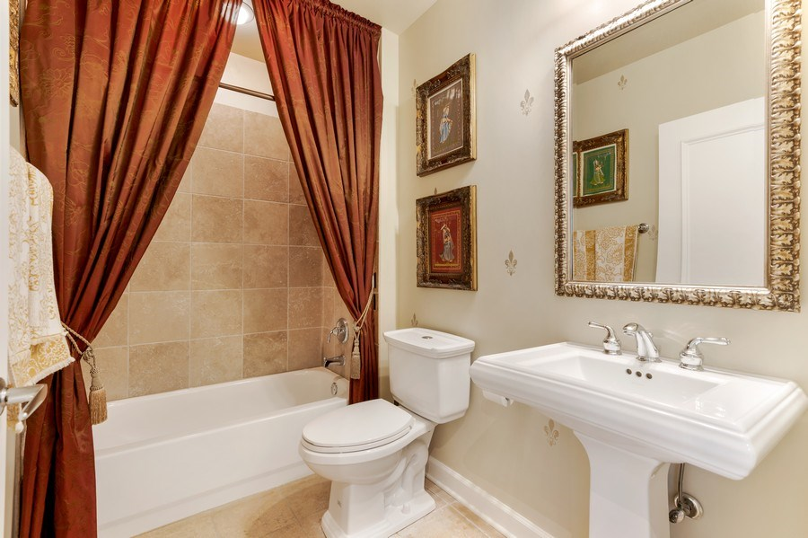 Real Estate Photography - 233 E. 13th Street, Unit 610, Chicago, IL, 60605 - Bathroom
