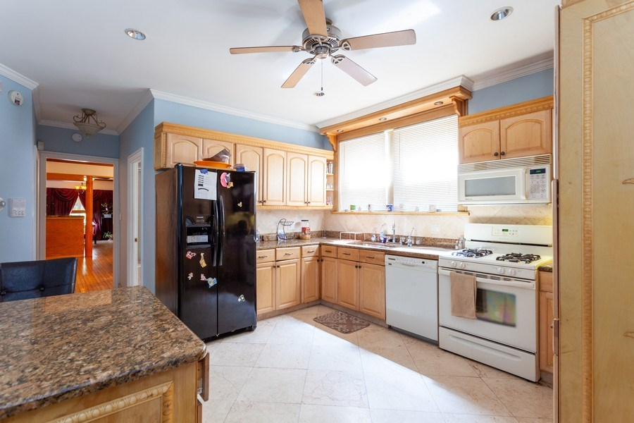 Real Estate Photography - 5040 West Cullom Ave, Chicago, IL, 60641 - Unit 1 - Kitchen