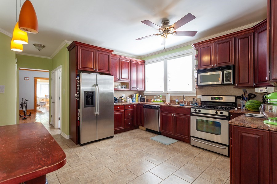 Real Estate Photography - 5040 West Cullom Ave, Chicago, IL, 60641 - Unit 2 - Kitchen