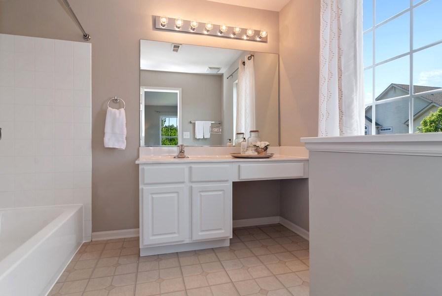 Real Estate Photography - 442 Jamestown Court, Aurora, IL, 60502 - Master Bathroom