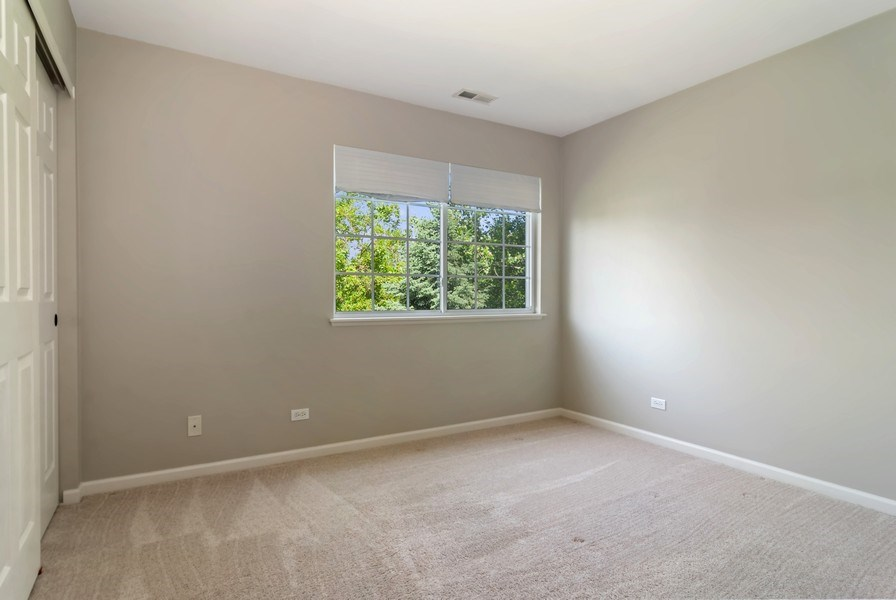 Real Estate Photography - 442 Jamestown Court, Aurora, IL, 60502 - 2nd Bedroom