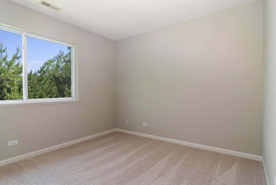 Real Estate Photography - 442 Jamestown Court, Aurora, IL, 60502 - 3rd Bedroom