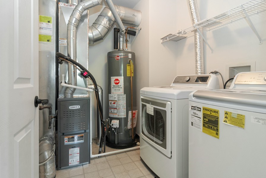 Real Estate Photography - 442 Jamestown Court, Aurora, IL, 60502 - Laundry Room