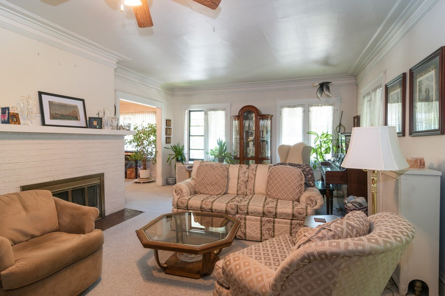 Real Estate Photography - 202 North Ridgeland Ave, Oak Park, IL, 60302 - LIVING ROOM - Second Floor