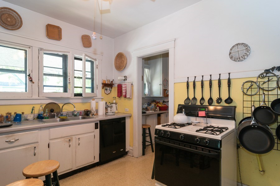 Real Estate Photography - 202 North Ridgeland Ave, Oak Park, IL, 60302 - KITCHEN - Second Floor