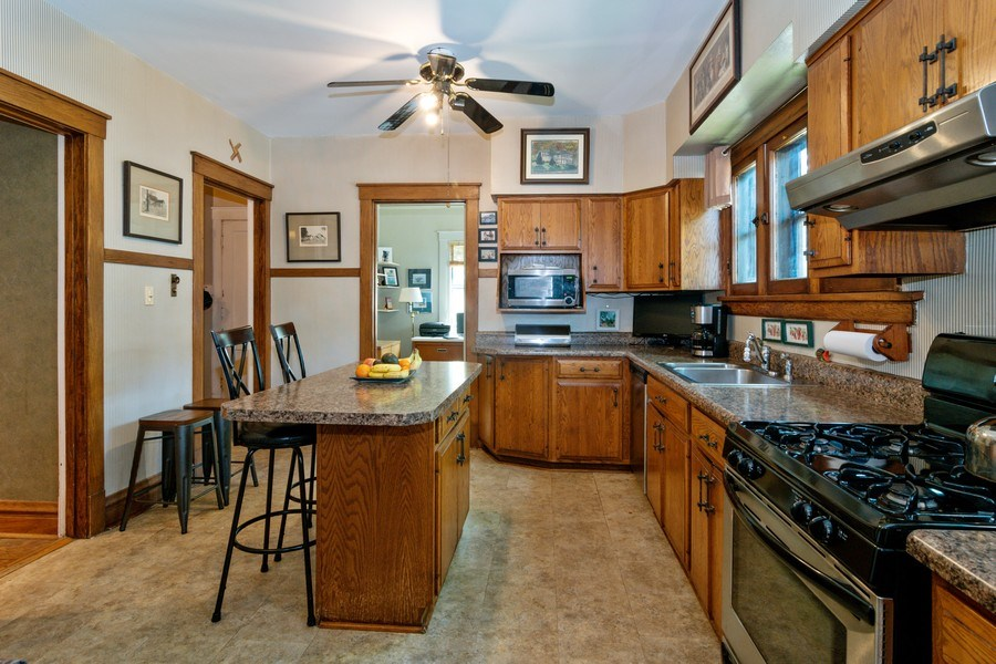 Real Estate Photography - 202 North Ridgeland Ave, Oak Park, IL, 60302 - KITCHEN - First Floor