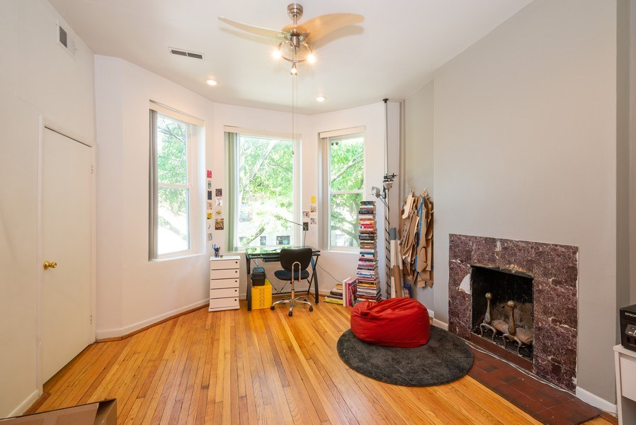 Real Estate Photography - 3556 North Wilton Ave, Chicago, IL, 60657 - Living Room