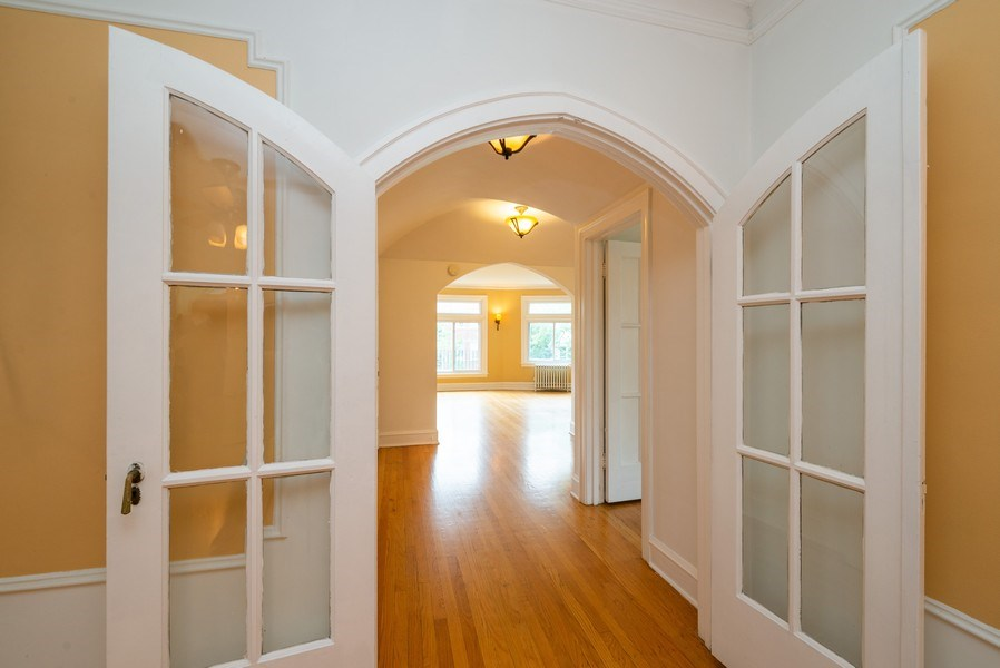 Real Estate Photography - 7355 N. Winchester Avenue, Chicago, IL, 60626 - 2nd Floor Foyer