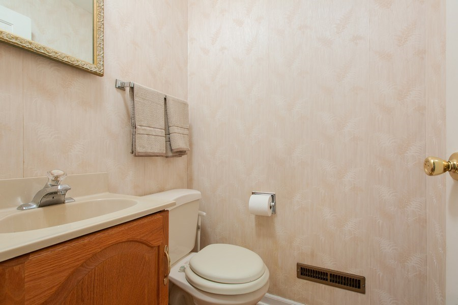 Real Estate Photography - 25W722 Flint Creek Drive, Wheaton, IL, 60189 - Bathroom