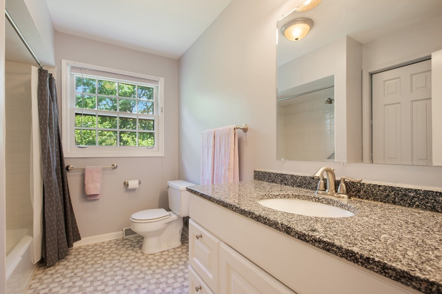 Real Estate Photography - 25W722 Flint Creek Drive, Wheaton, IL, 60189 - 2nd Bathroom