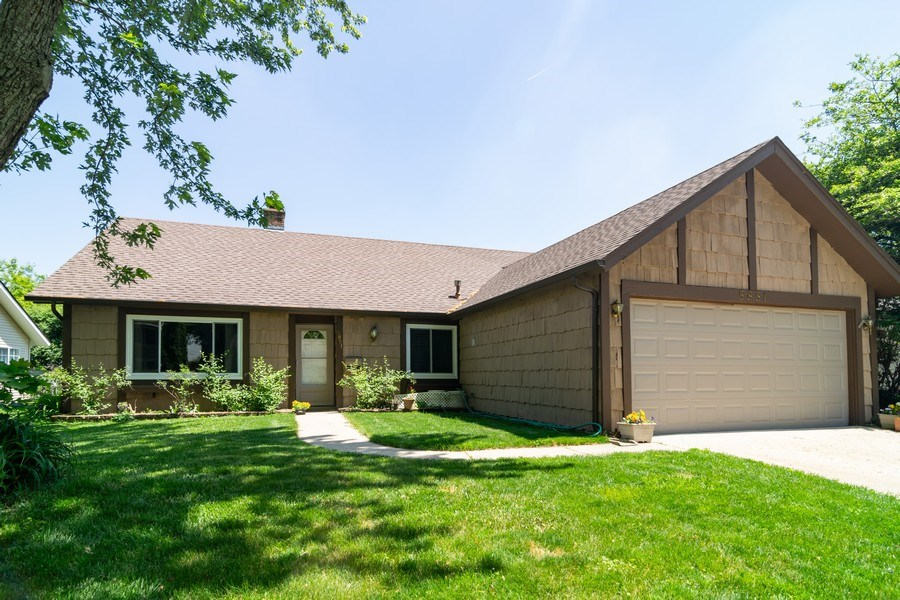 Real Estate Photography - 5851 CHATSWORTH Court, Hanover Park, IL, 60133 - Front View