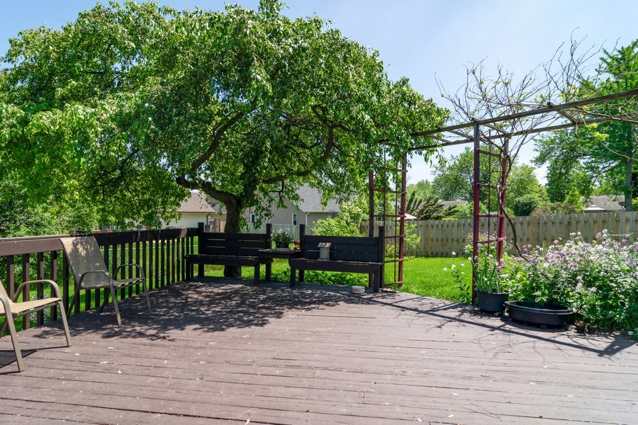 Real Estate Photography - 5851 CHATSWORTH Court, Hanover Park, IL, 60133 - Deck