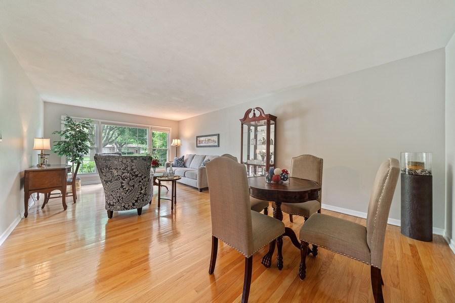 Real Estate Photography - 308 South Park Blvd, Glen Ellyn, IL, 60137 - Living Room
