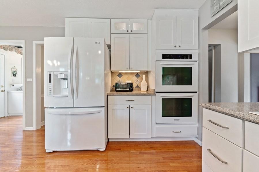 Real Estate Photography - 308 South Park Blvd, Glen Ellyn, IL, 60137 - Kitchen