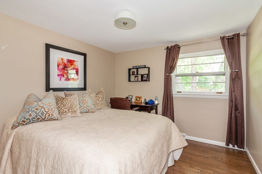Real Estate Photography - 266 Woodstock Avenue, Clarendon Hills, IL, 60514 - 2nd Bedroom