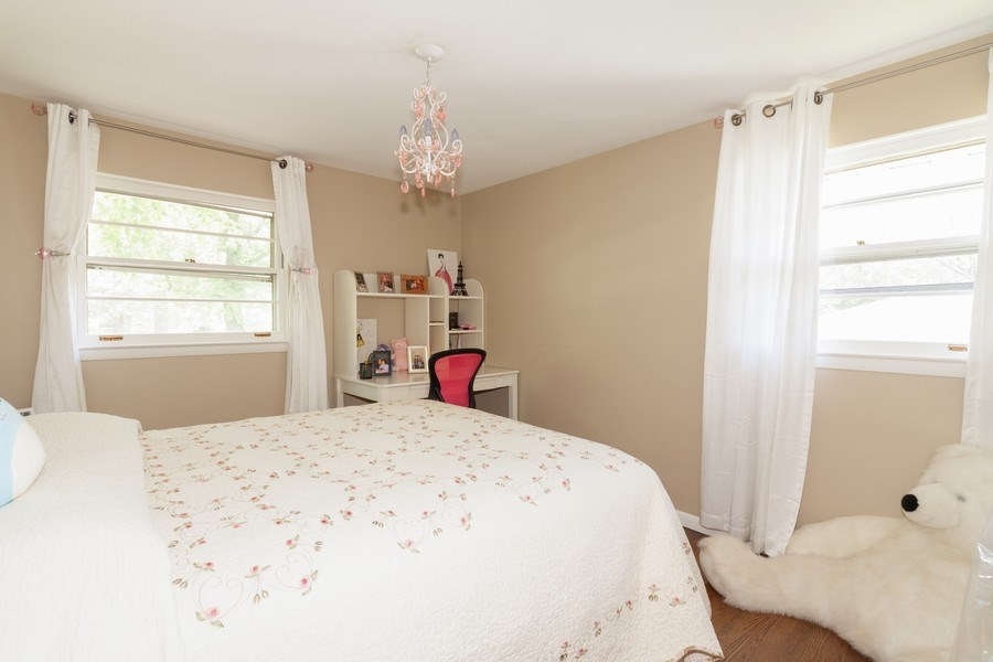 Real Estate Photography - 266 Woodstock Avenue, Clarendon Hills, IL, 60514 - Bedroom