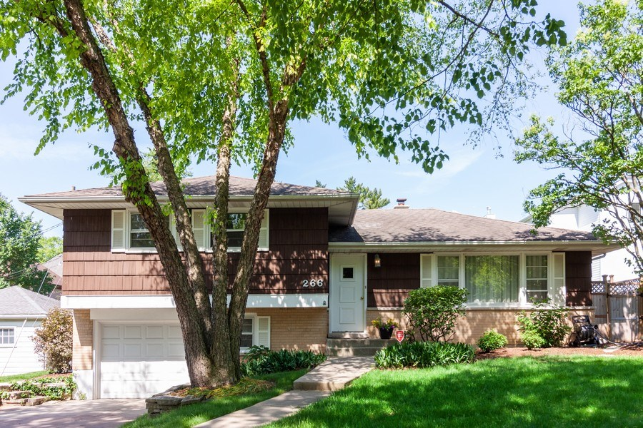 Real Estate Photography - 266 Woodstock Avenue, Clarendon Hills, IL, 60514 - Front View